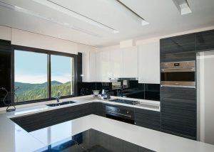 Private Villa - Modern Kitchen
